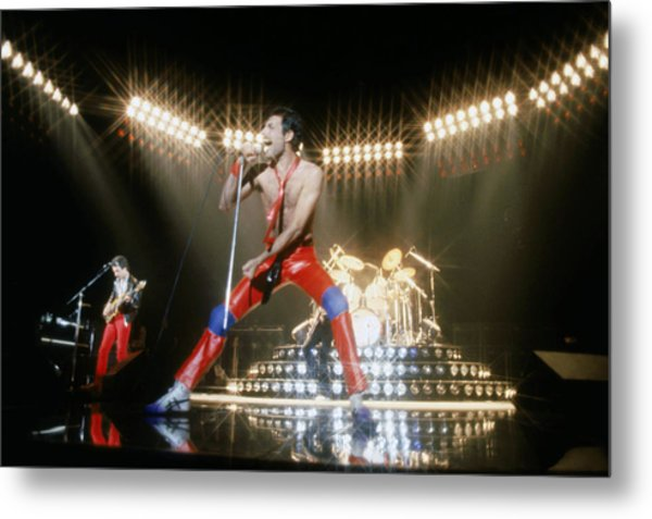 Queen Conference Metal Print by Michael Ochs Archives