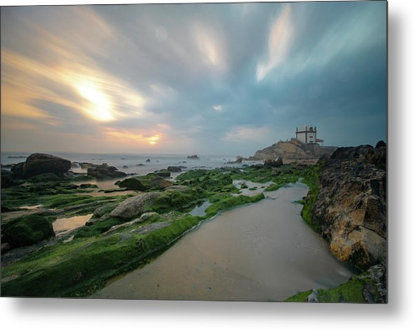 Metal Print featuring the photograph Swirl by Bruno Rosa