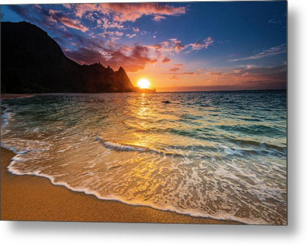 Sunset Over The Na Pali Coast Metal Print by Russ Bishop
