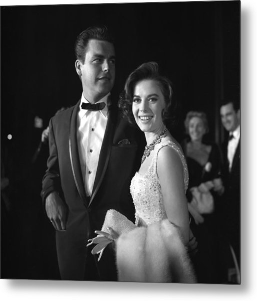 Natalie Wood And Robert Wagner Metal Print by Michael Ochs Archives