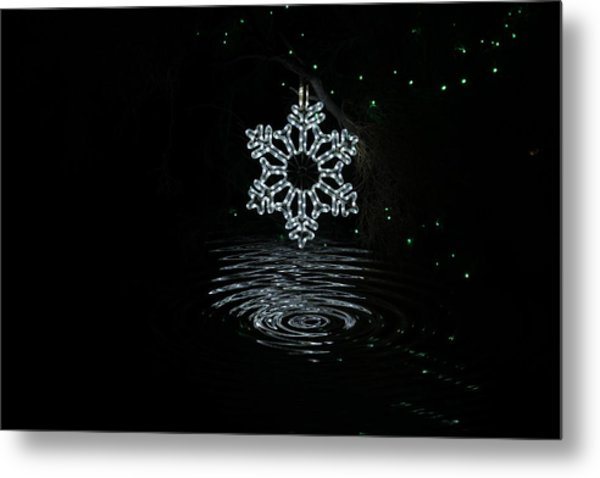 A Ripple Of Christmas Cheer Metal Print