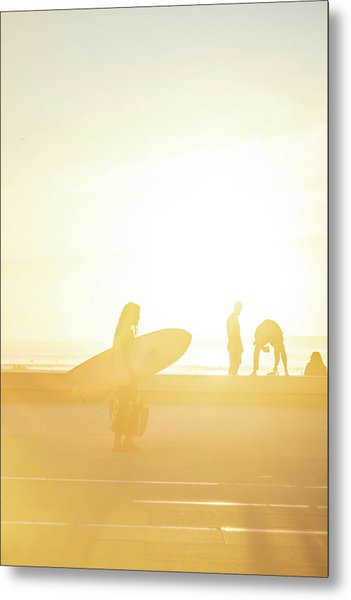 Metal Print featuring the photograph A Surf Board by Bruno Rosa