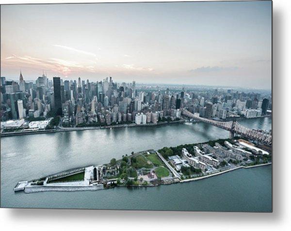 Aerial View Roosevelt Island - Four Metal Print