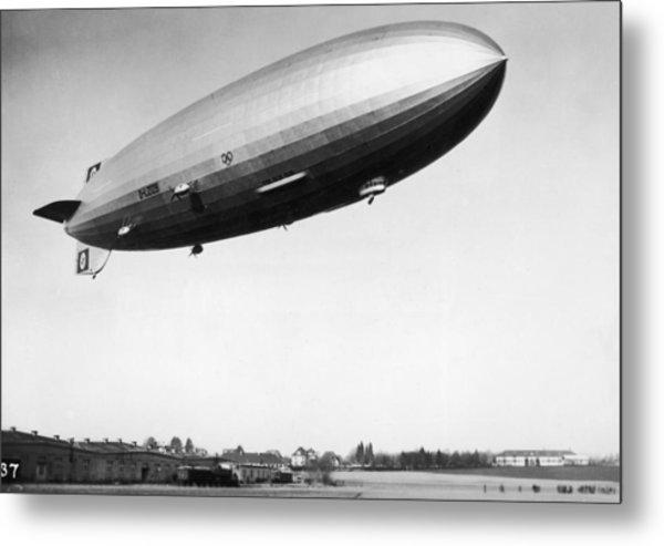 Airship Aloft Metal Print by Hulton Archive