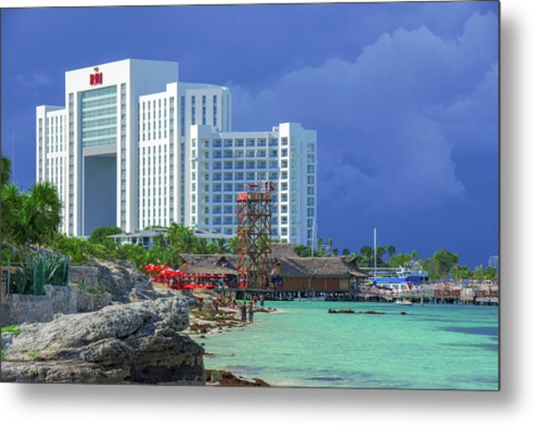 Beach Life In Cancun Metal Print