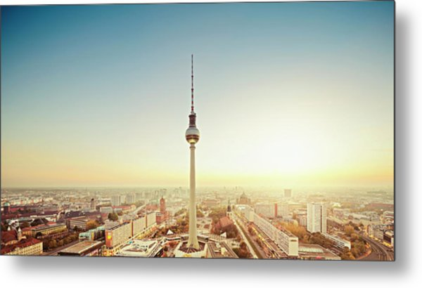 Berlin Cityscape With Fernsehturm At Metal Print by Ricowde