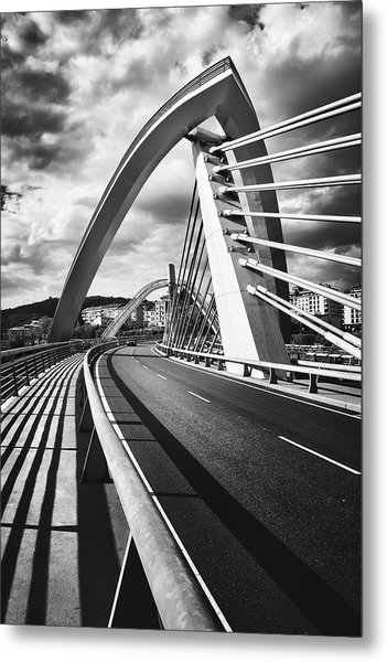 Black And White Version Of The Millennium Bridge Metal Print
