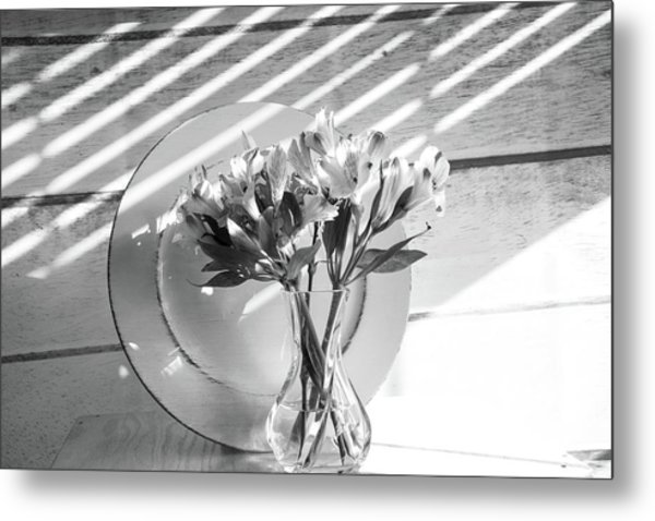 Bouquet And Plate-bw Metal Print