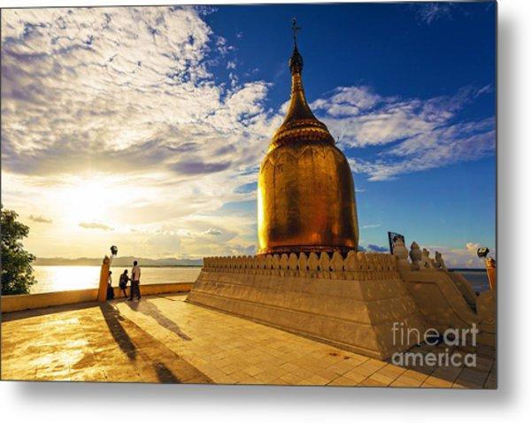 Buphaya Pagoda In Bagan, Myanmar At Metal Print by Richard Yoshida