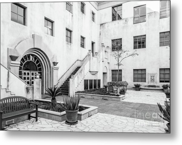 California Institute Of Technology Courtyard Metal Print by University Icons