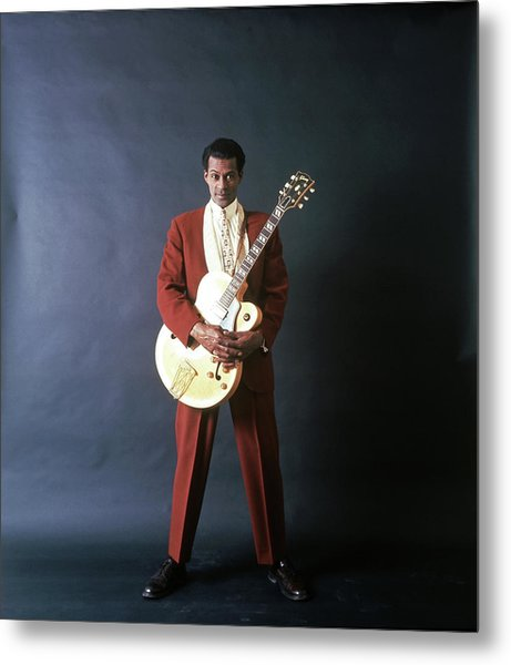 Chuck Berry Portrait Session Metal Print by Michael Ochs Archives