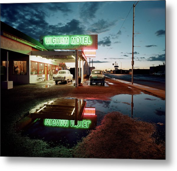 Classic Cars Parked By A Motel At Dusk Metal Print by Gary Yeowell