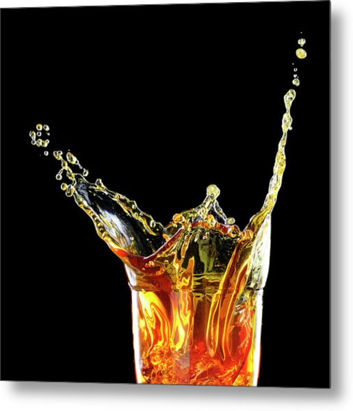 Cocktail With Big Splash In A Tumbler Metal Print by Chris Stein