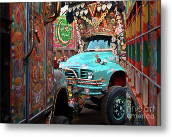 Metal Print featuring the photograph Truck Art by Awais Yaqub