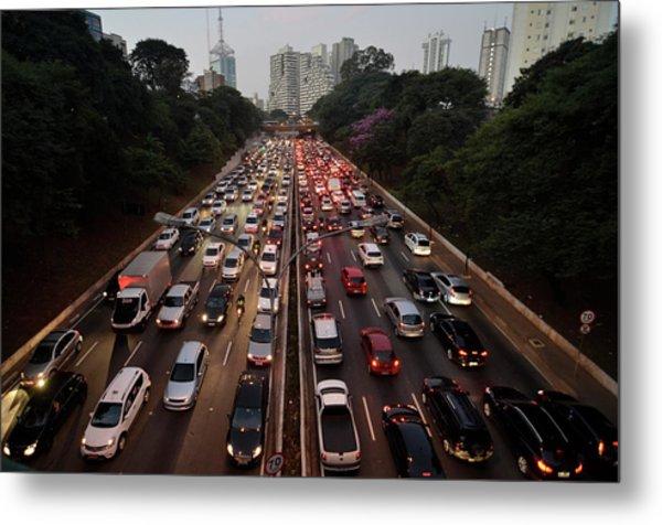 Congestionamento Em São Paulo Metal Print by Levi Bianco