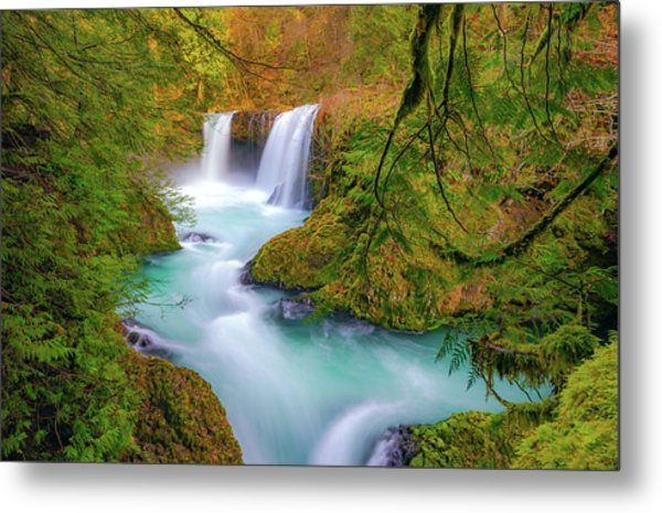 Cool Mountain Water Flows Outward To The Sea Metal Print