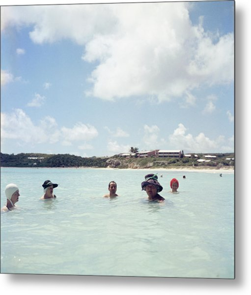 Cooling Off In Antigua Metal Print