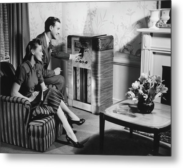 Couple Listening To Radio In Living Metal Print