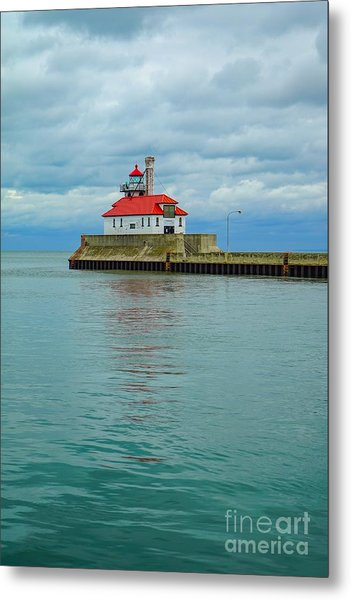 Duluth Lighthouse 2 Metal Print