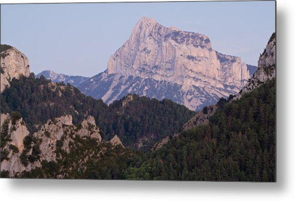 Metal Print featuring the photograph Dusk At Pena Montanesa by Stephen Taylor