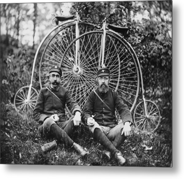 Early Bicyclists Taking A Break By Metal Print by Bettmann