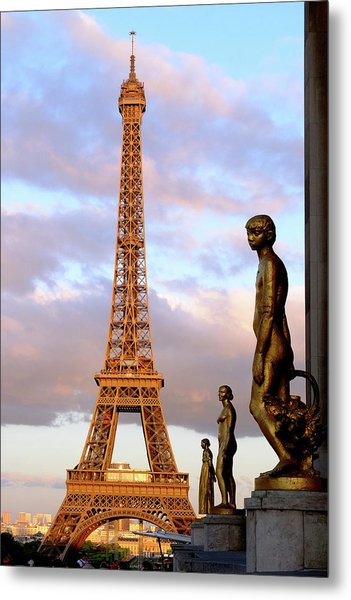 Eiffel Tower At Sunset Metal Print