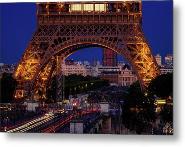 Eiffel Tower At Twilight Metal Print