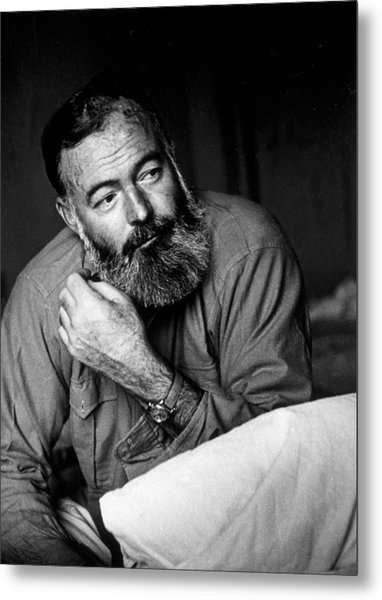 Ernest Hemingway Metal Print by Kurt Hutton