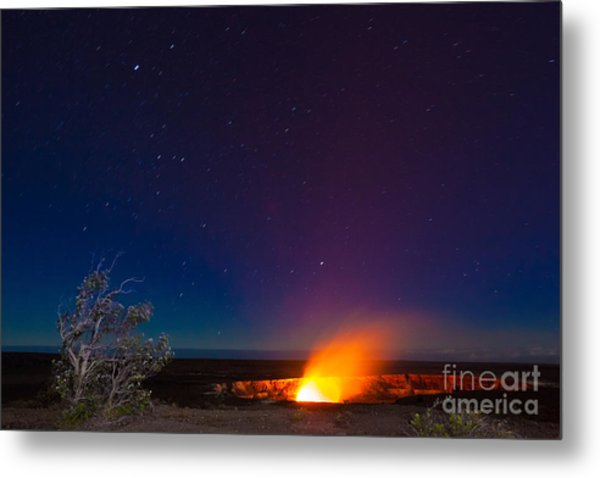 Erupting Volcano In Hawaii Volcanoes Metal Print