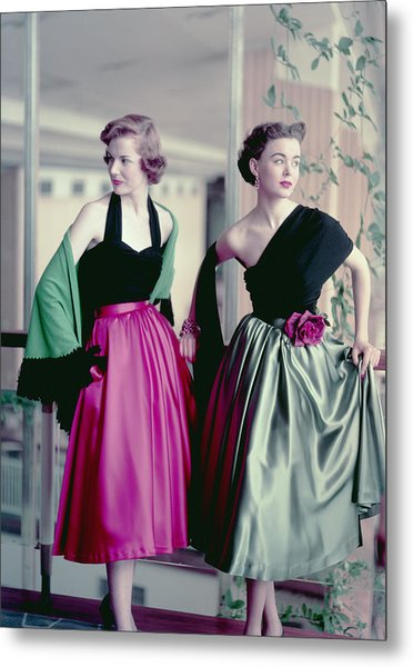 Evening Chic Metal Print by Hulton Archive