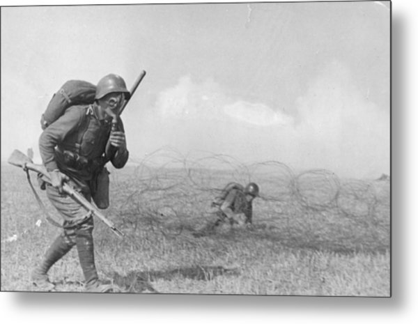 Gas Masked Russian Metal Print by Hulton Archive