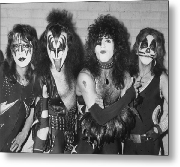 Give Us A Kiss Metal Print by Peter Cade
