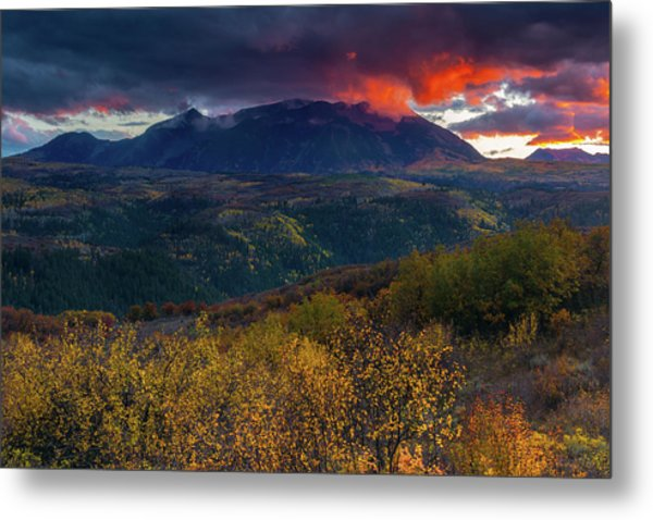 Metal Print featuring the photograph Glimpse Of Heaven by John De Bord