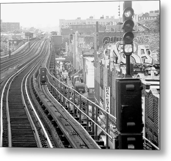 Graffitti Crackdown On The 7 Line Train Metal Print