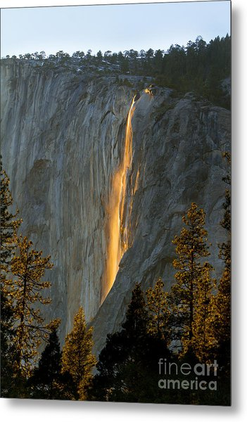 Horsetail Falls In Yosemite Illuminated Metal Print by Peggy Sells