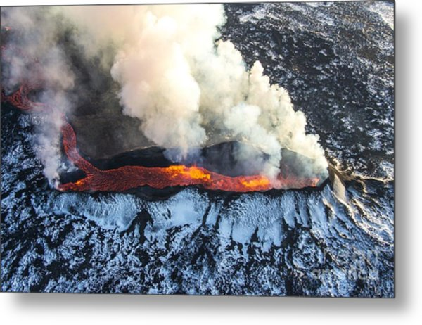 Icelandic Volcano Eruption Metal Print