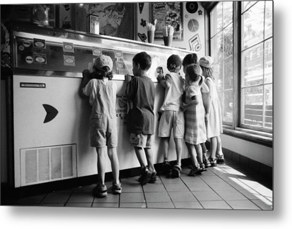 Kids At Ice Cream Counter Metal Print
