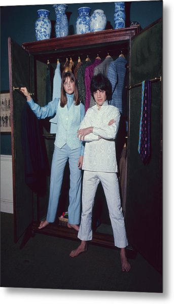 L-r Actress Jane Birkin And Pop-singer Metal Print by Bill Ray
