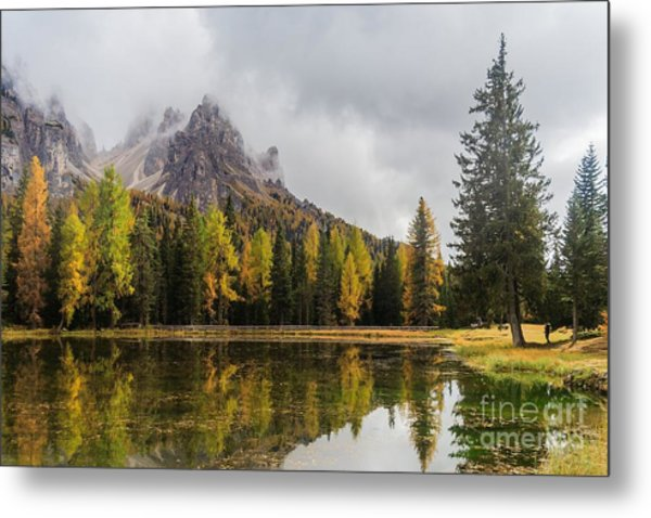 Lago Antorno With Mauntain Reflected In Metal Print