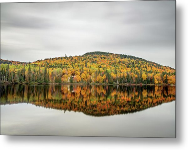 Metal Print featuring the photograph Lake Shore House In Autumn by Pierre Leclerc Photography