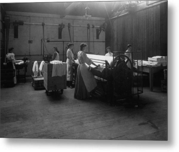 Laundry Metal Print by Hulton Archive
