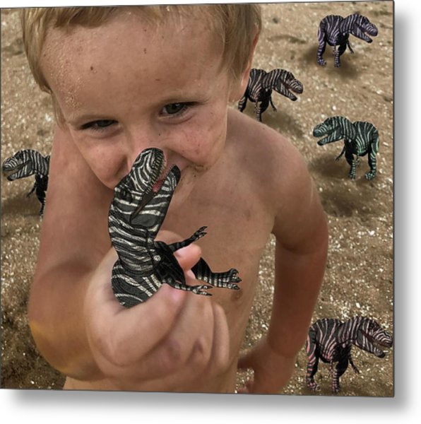 Lots Of These Snappy Critters Round Metal Print