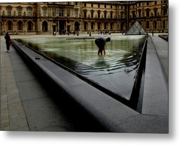 Metal Print featuring the photograph Louvre, Water by Edward Lee