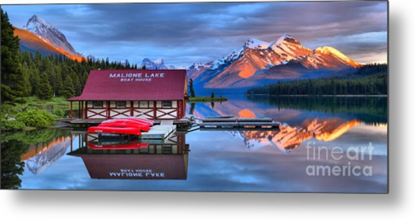 Maligne Lake Sunset Spectacular Metal Print