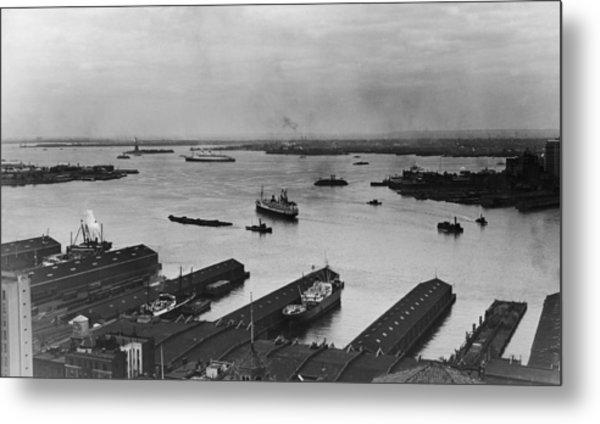 Manhattan Docks On The Hudson River Metal Print by Frederic Lewis