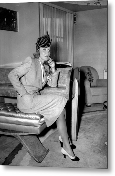 Marlene Dietrich Arriving In New York Metal Print by New York Daily News Archive