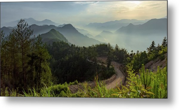 Metal Print featuring the photograph Misty Mountain Morning by William Dickman