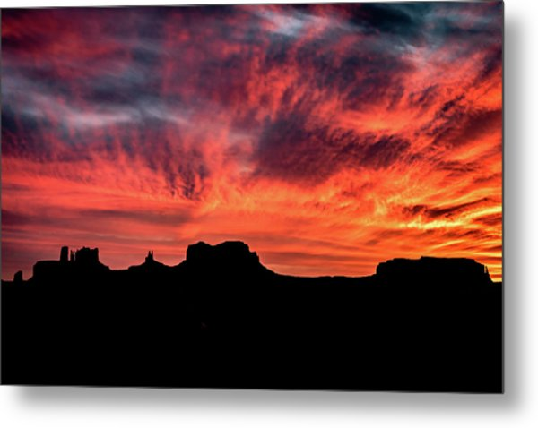 Monument Valley Mile 13 Sunset Metal Print