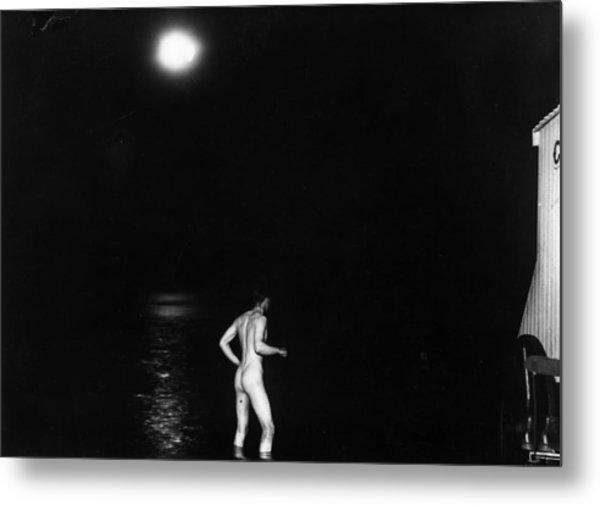 Moonlight Dipper Metal Print by Topical Press Agency