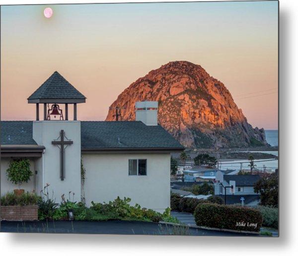 Moonset Above Morro Rock Metal Print